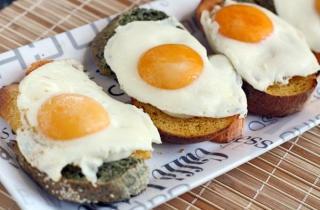 Тосты с яйцом
