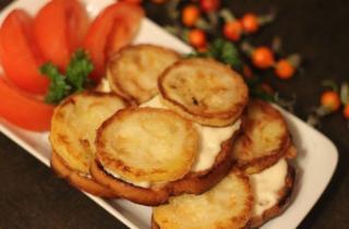 Теплые бутерброды с кабачком и чесноком