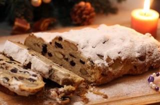 Рождественский штоллен с изюмом и миндалем