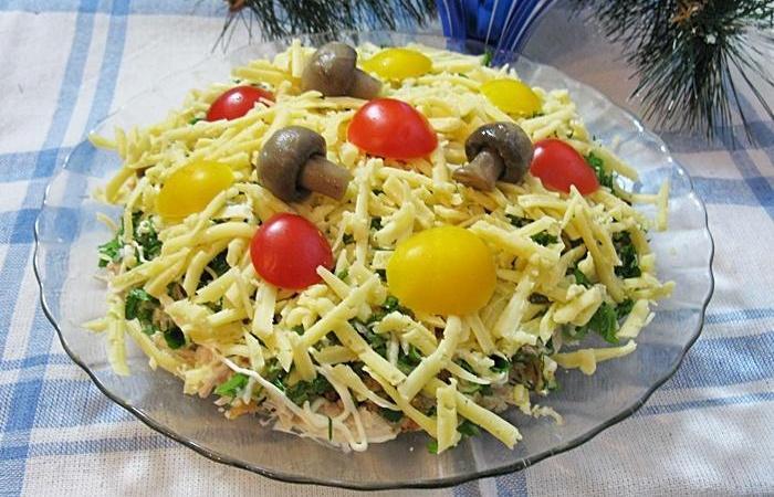 Салат из курицы с шампиньонами пошаговый рецепт