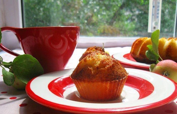 Творожно яблочные кексы