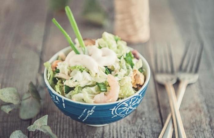 Салат с морепродуктами и зеленью рецепт с фото