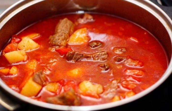 Венгерский гуляш из говядины рецепт с фото в мультиварке