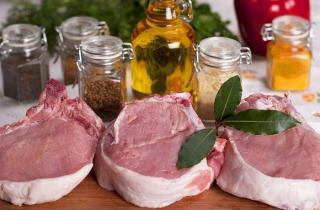 Корейка свиная на сковороде гриль