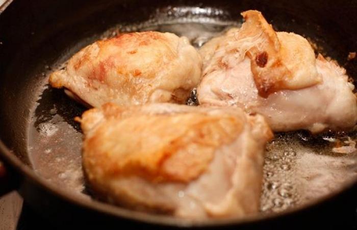 Бедро куриное жареное на сковороде с фото