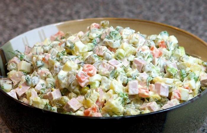 Приготовить салат оливье 7