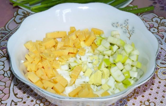 салат из лука с яблоками рецепт