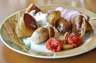 Картофель, запеченный с овощами