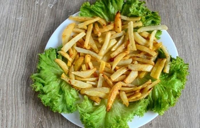 Рецепт простого салата с картошкой фри