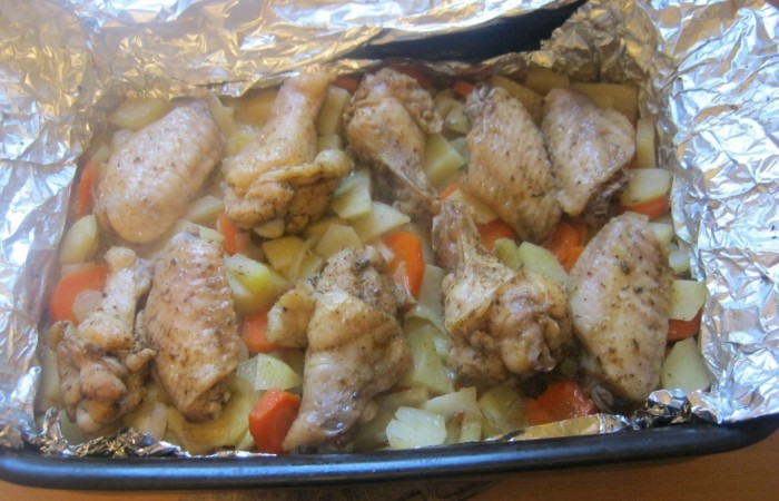 Крылышки с овощами в духовке калорийность — 1