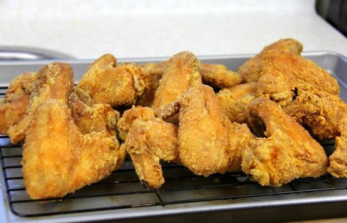 Как приготовить куриные крылышек во фритюрнице
