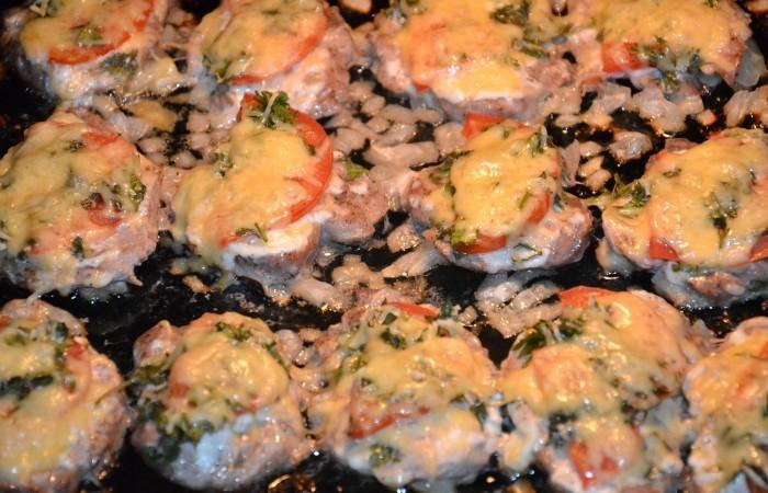 Отбивная из свинины с грибами и сыром в духовке рецепт пошагово