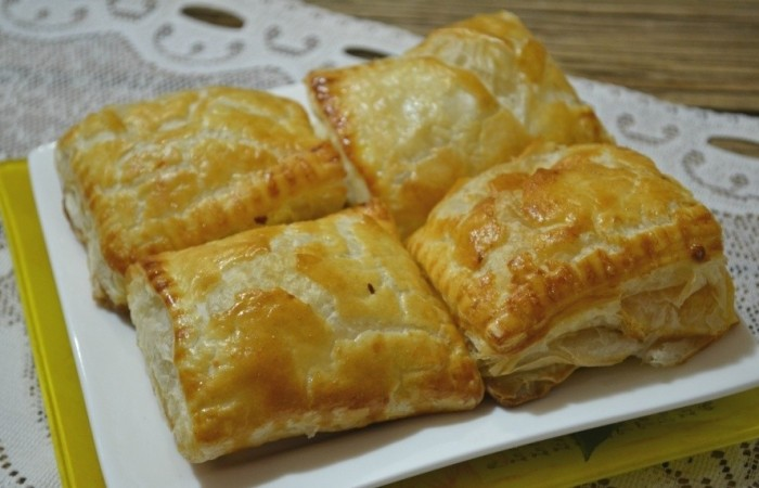 Рецепты пирожки из капусты слоеное тесто