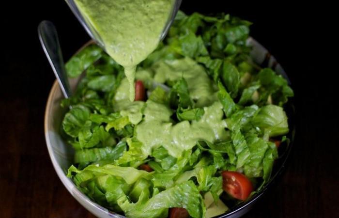 Соусы и заправки для салатов с креветками