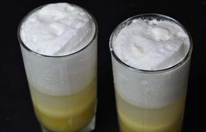 Апельсиновый коктейль с мороженым - пошаговый рецепт с фото: http://mirpovara.ru/recept/3251-apelsinovyj-koktejl-s-morojenym.html