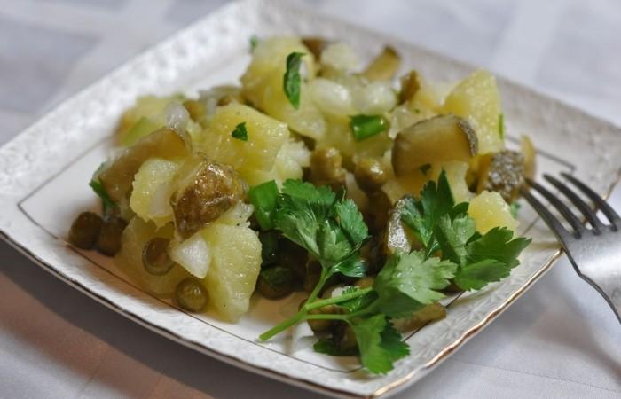 Салат из соленых огурцов яйца картошки