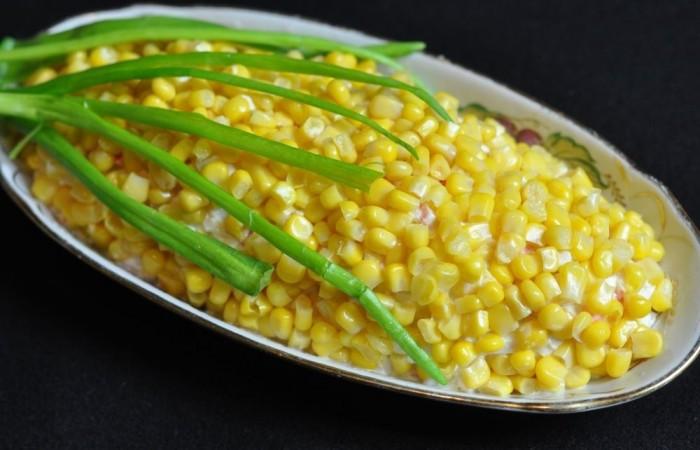 Салат из кукуруза крабовые палочки яйца