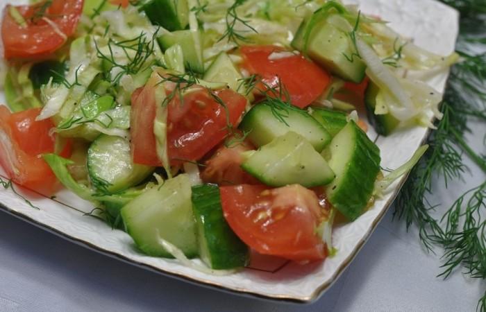 Фото салата с огурцами и помидорами