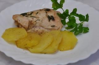 Курица с картошкой в фольге на пару