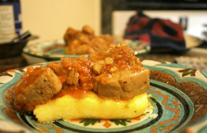 Свинина с грибами в горшочках - пошаговый рецепт с фото на ...
