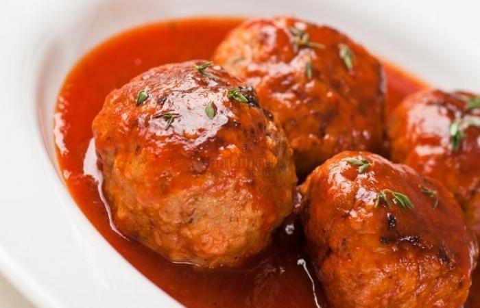 Биточки в томатном соусе рецепт с фото
